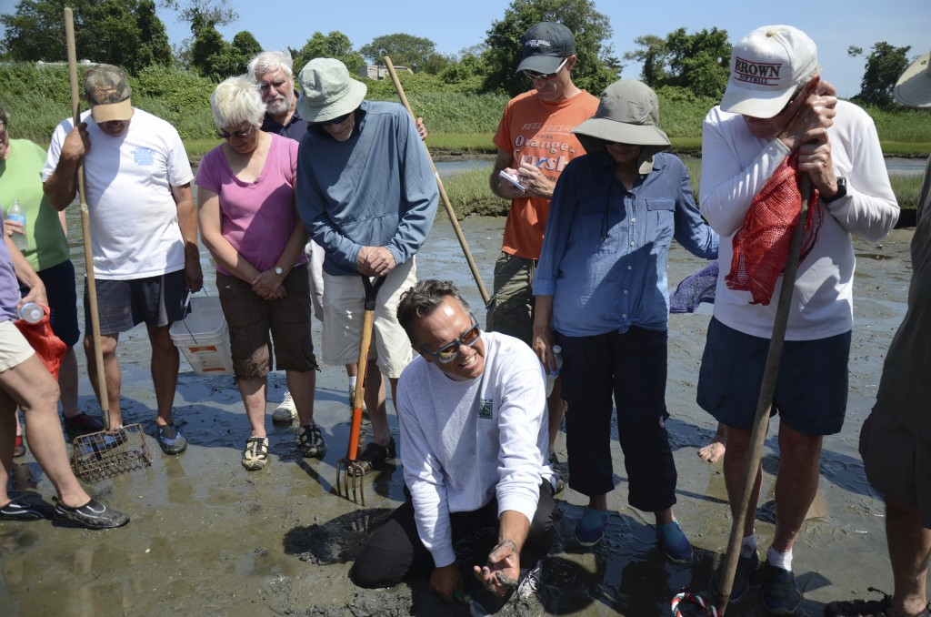Paul Kennedy lead our first Clamming 101 class on Point Judith Pond.